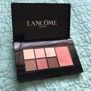 Lancôme- warm palette- day. Blush and eye shadow